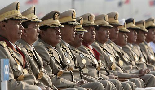 """Chiến lược khuất phục tướng lĩnh của """"Quý bà"""" Myanmar 2"""
