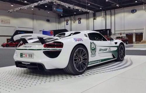 Porsche 918 Spyder - siêu xe mới của cảnh sát Dubai 3