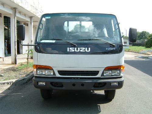 isuzu-hanh-trinh-20-nam-tren-dat-viet-3