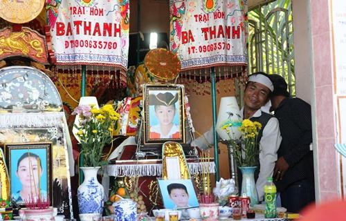 Ngày 20/11 buồn của thầy cô 2 học trò tử vong cùng mẹ 2