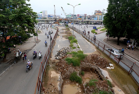 """Hai tuyến đường sắt đô thị Hà Nội vẫn """"dậm chân tại chỗ"""" 1"""