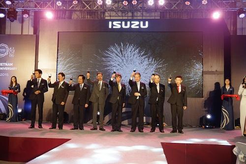 Isuzu Việt Nam kỷ niệm 20 năm thành lập 6