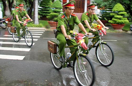 Công an Khánh Hòa tuần tra bằng xe đạp 1