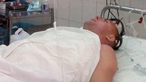 Du khách nước ngoài bị sóng biển đánh gãy cổ 1