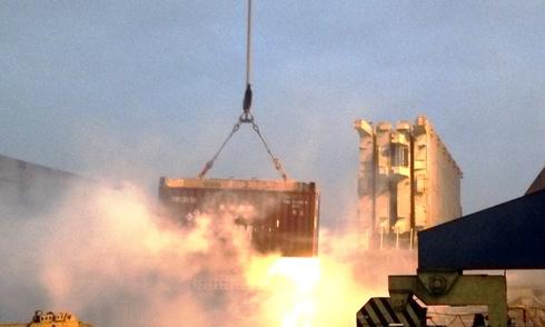 Tàu chở hóa chất bốc cháy tại cảng Hải Phòng