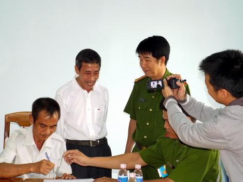 Ông Nén được trao trả tự do sau gần 18 năm ngồi tù với 2 bản án oan. Ảnh: N.T