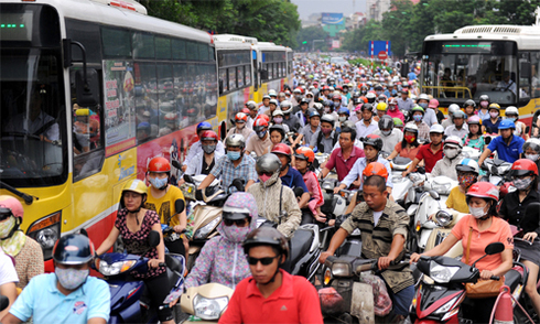Giao thông lộn xộn ở Việt Nam - ai cũng là thủ phạm