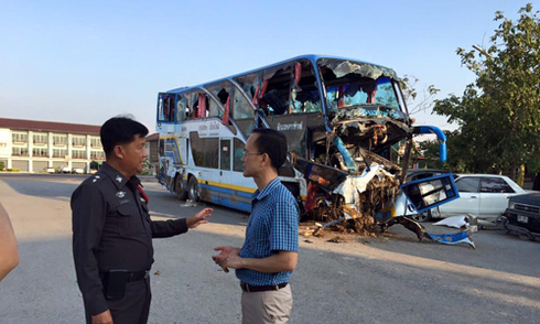 5 người Việt bị thương trên xe gặp nạn ở Thái Lan
