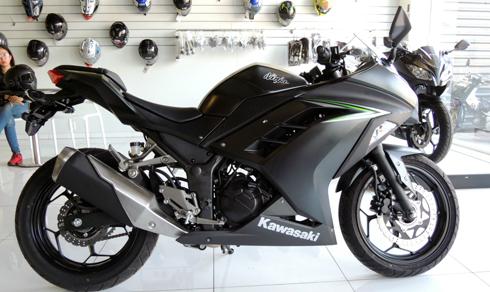 Kawasaki Ninja 300 2016 đầu tiên tại Việt Nam