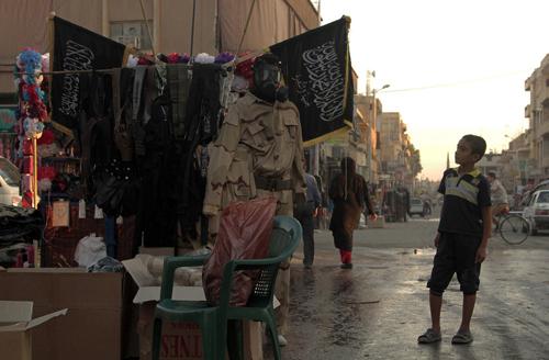 Mất lãnh thổ, IS chật vật trả thù lao cho chiến binh 2