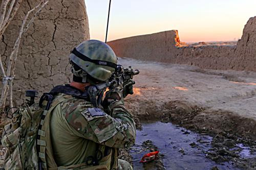 Điều đặc nhiệm chống IS, Obama có thể sa chân vào vết xe đổ 2