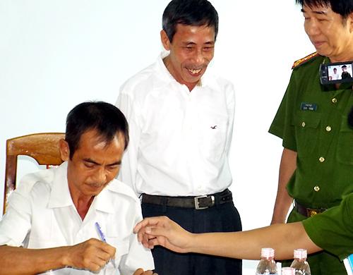 vo-ngo-ngang-vi-chong-giet-nguoi-gay-oan-cho-ong-huynh-van-nen-1