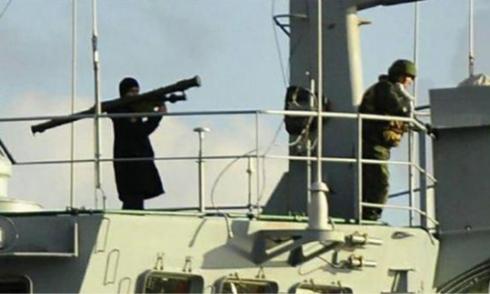 Thổ Nhĩ Kỳ triệu đại sứ Nga vì ảnh lính Nga giương tên lửa vác vai