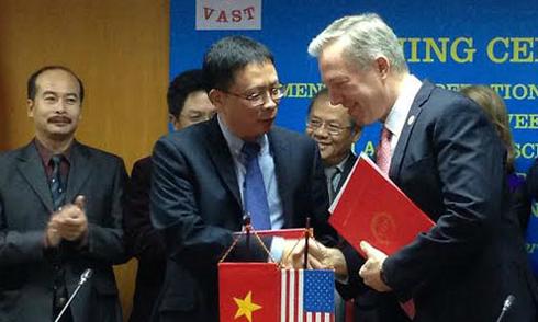 NASA giúp Việt Nam bảo vệ môi trường bằng vệ tinh