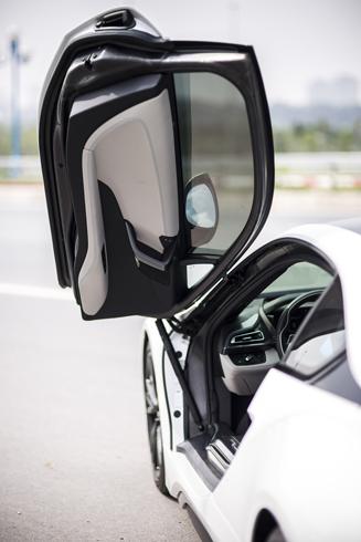 Vì đâu BMW i8 hấp dẫn đại gia Việt Nam? 4