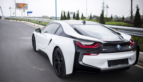 Vì đâu BMW i8 hấp dẫn đại gia Việt Nam? 2