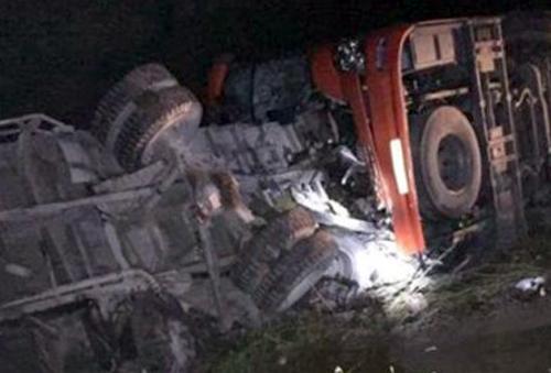 Lời khai mâu thuẫn của hai tài xế gặp nạn trên cao tốc Pháp Vân 1