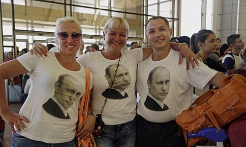 Không pho mát hảo hạng, lớp trung lưu Nga vẫn ủng hộ Putin 2