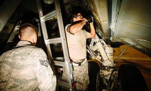 """""""Pháo đài bay"""" B-52 - kẻ thống trị trường kỳ của không quân Mỹ 2"""
