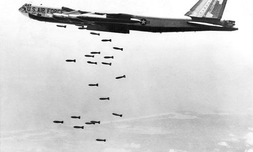 """""""Pháo đài bay"""" B-52 - kẻ thống trị trường kỳ của không quân Mỹ 3"""