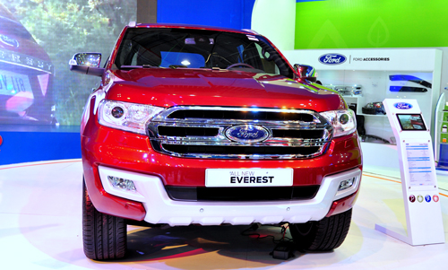 Ford Everest 2015 giá từ 1,25 tỷ đồng tại Việt Nam.