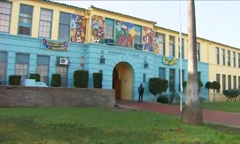 Mỹ đóng cửa hơn 1.000 trường học vì bị dọa bom