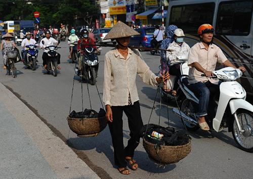 thanh-thi-viet-nam-dat-chat-nguoi-dong-tren-bao-phap