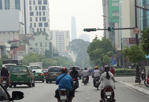 Sài Gòn chìm trong sương mù 1