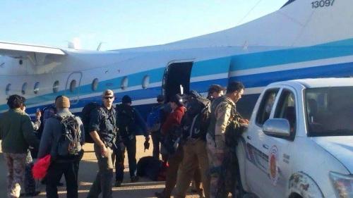 Lính biệt kích Mỹ sau khi hạ cánh xuống căn cứ ở Libya. Ảnh: NBCNews