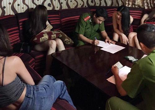 Chốn ăn chơi của đại gia Sài Gòn lại bị xử phạt 1