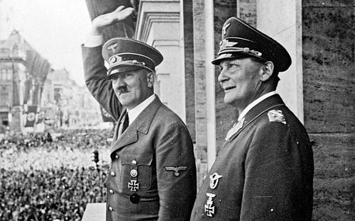 Hồ sơ y tế tiết lộ Hitler chỉ có một tinh hoàn 1