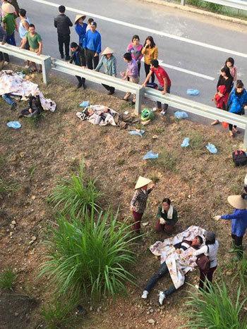 [Tin Trong Nước] Xe khách tông nhau trên cao tốc Nội Bài - Lào Cai, 18 người gặp nạn Lc2-4287-1450691019_m_460x0