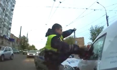 Video an toàn giao thông xem nhiều nhất 2015 8