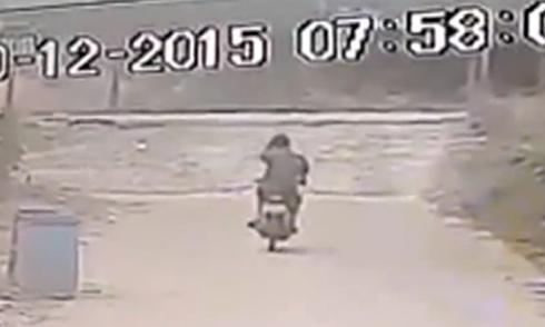 Truyền hình trực tiếp vô tình ghi hình tai nạn giao thông 4
