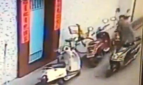 Truyền hình trực tiếp vô tình ghi hình tai nạn giao thông 2