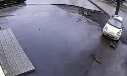 Truyền hình trực tiếp vô tình ghi hình tai nạn giao thông 5