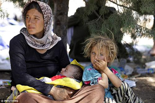 Hai chị em đứng đầu danh sách săn lùng của IS 3