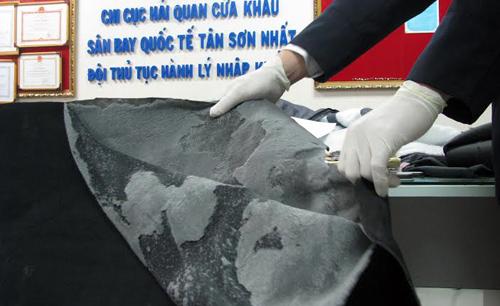 Hơn 6kg cocain được tẩm trong chăn bông. Ảnh: H.Q