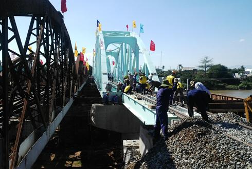 Xóa cầu yếu, ngành đường sắt tăng tốc độ chạy tàu Bắc Nam 1