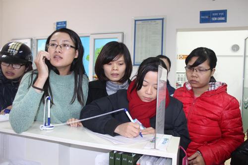 Chen lấn tiêm dịch vụ cho con vì lo chất lượng văcxin miễn phí 1