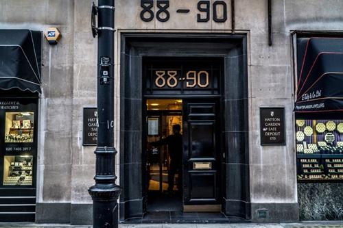 Băng trộm U80 và phi vụ 30 triệu USD chấn động London 2