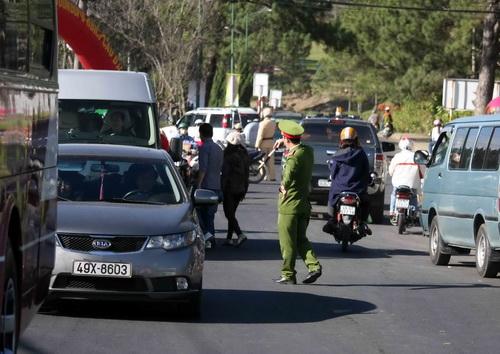 Đà Lạt điều 1.000 cảnh sát xử lý kẹt xe ở Festival Hoa 1