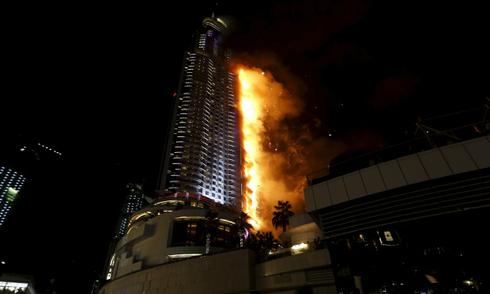 Ông bố Việt hoảng hốt tìm các con trong vụ cháy khách sạn ở Dubai