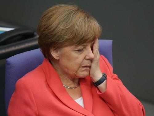 """""""Đêm giao thừa nhục nhã"""" thử thách lòng kiên nhẫn của nước Đức 3"""