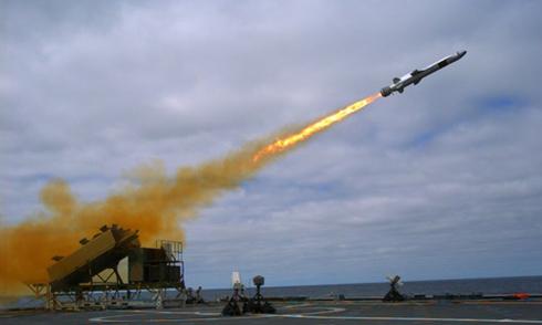 Mỹ trang bị tên lửa tầm xa cho chiến hạm 'nữ hoàng tốc độ'