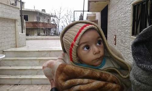 """Những """"bộ xương di động"""" vật vờ trong thị trấn Syria 1"""