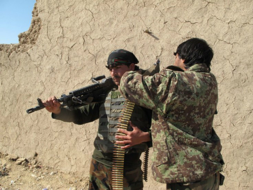 "Binh sĩ ""ma"" khiến Afghanistan chật vật chống Taliban 2"
