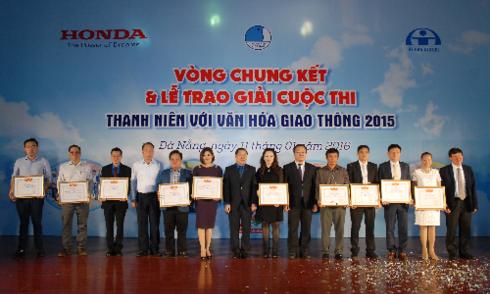 honda-tong-ket-chuong-trinh-an-toan-giao-thong-2015