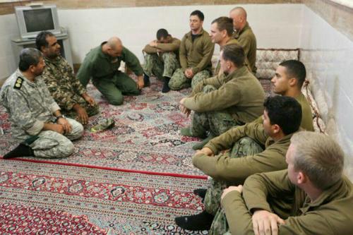 Chóng vánh thả tàu, Iran giữ lửa quan hệ với Mỹ 2