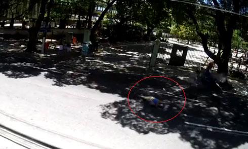 Pha mạo hiểm đau đớn của xe máy 4